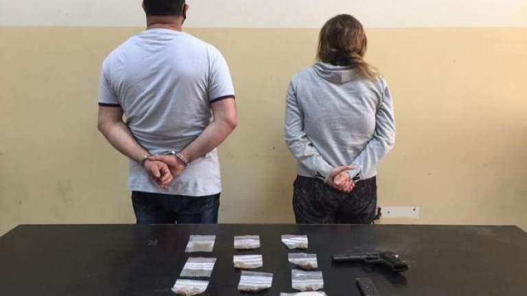 الزوجة وعشيقها ورّطا الزوج بقضية مخدّرات للتخلّص منه، وشعبة المعلومات وتوقفهما...اليكم التفاصيل